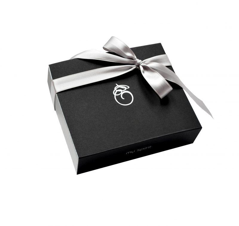 Velika črna darilna embalaža