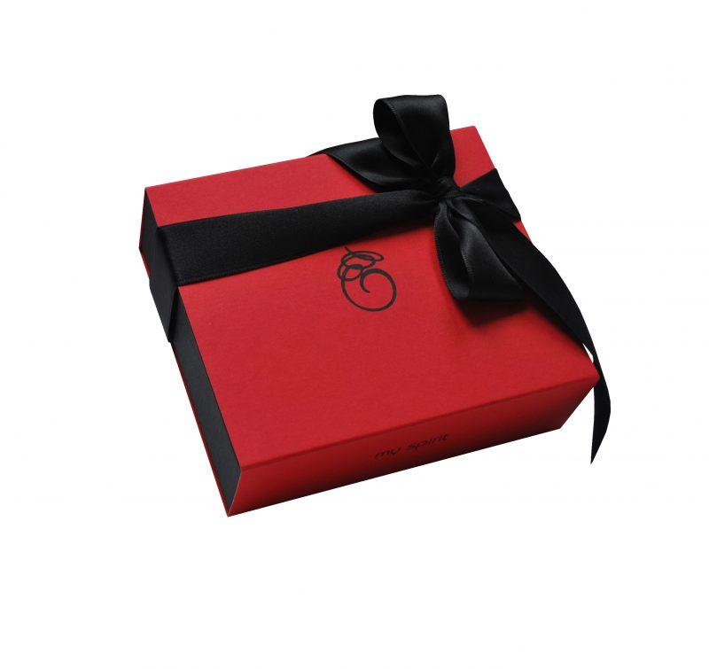 Velika rdeča darilna embalaža
