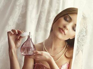 Praznične ideje za nošenje parfuma