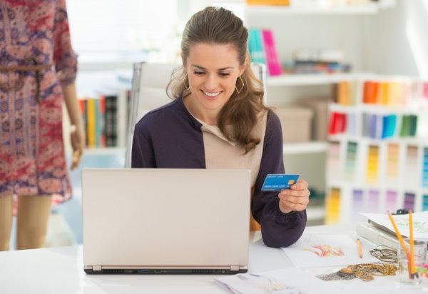 Kako parfum kupiti kar na spletu?